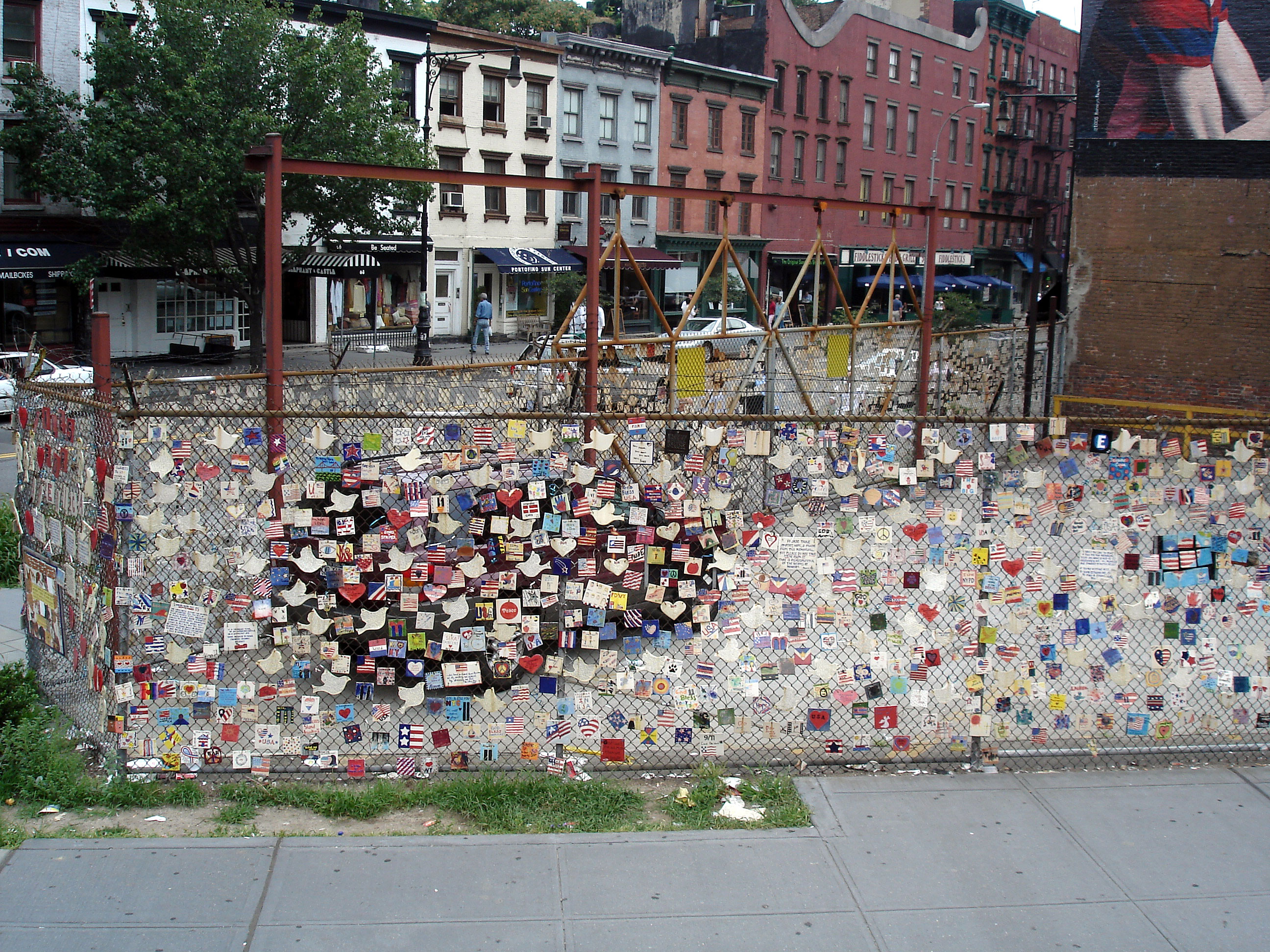 Memorial In New York NY Greenwich Ave And Mulry Square - Nyc map ground zero